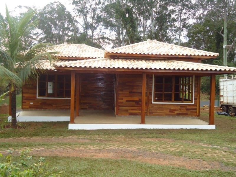 Casa de Madeira Nativa