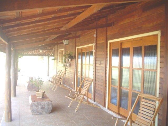 Casas de Madeira Nativa